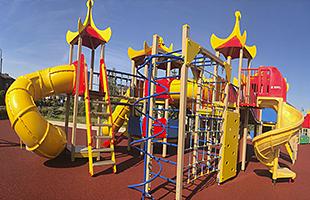 Строительство  спортивных детских (игровых) площадок